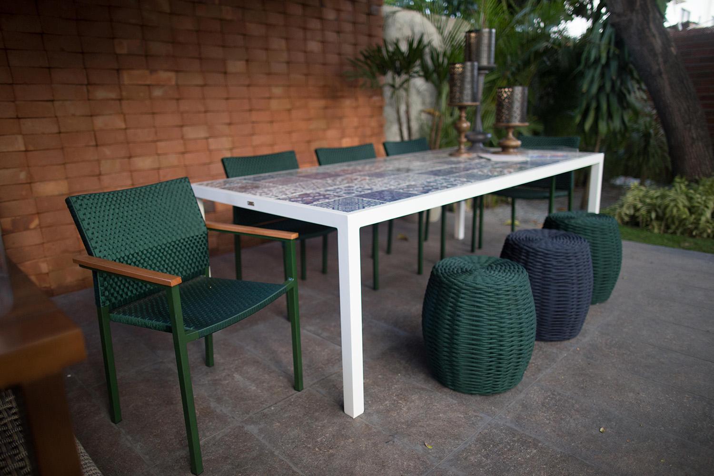Tidelli - Casa Cor Paraíba 2017 - Sala de Jantar - Mesa, Cadeira e Puff Verde Musgo