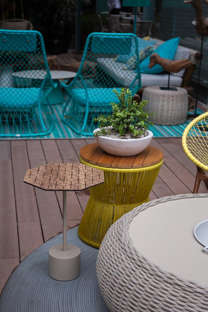 Tidelli - Casa Cor Pernambuco - Mesa Lateral Octa e Tamborete Amarelo