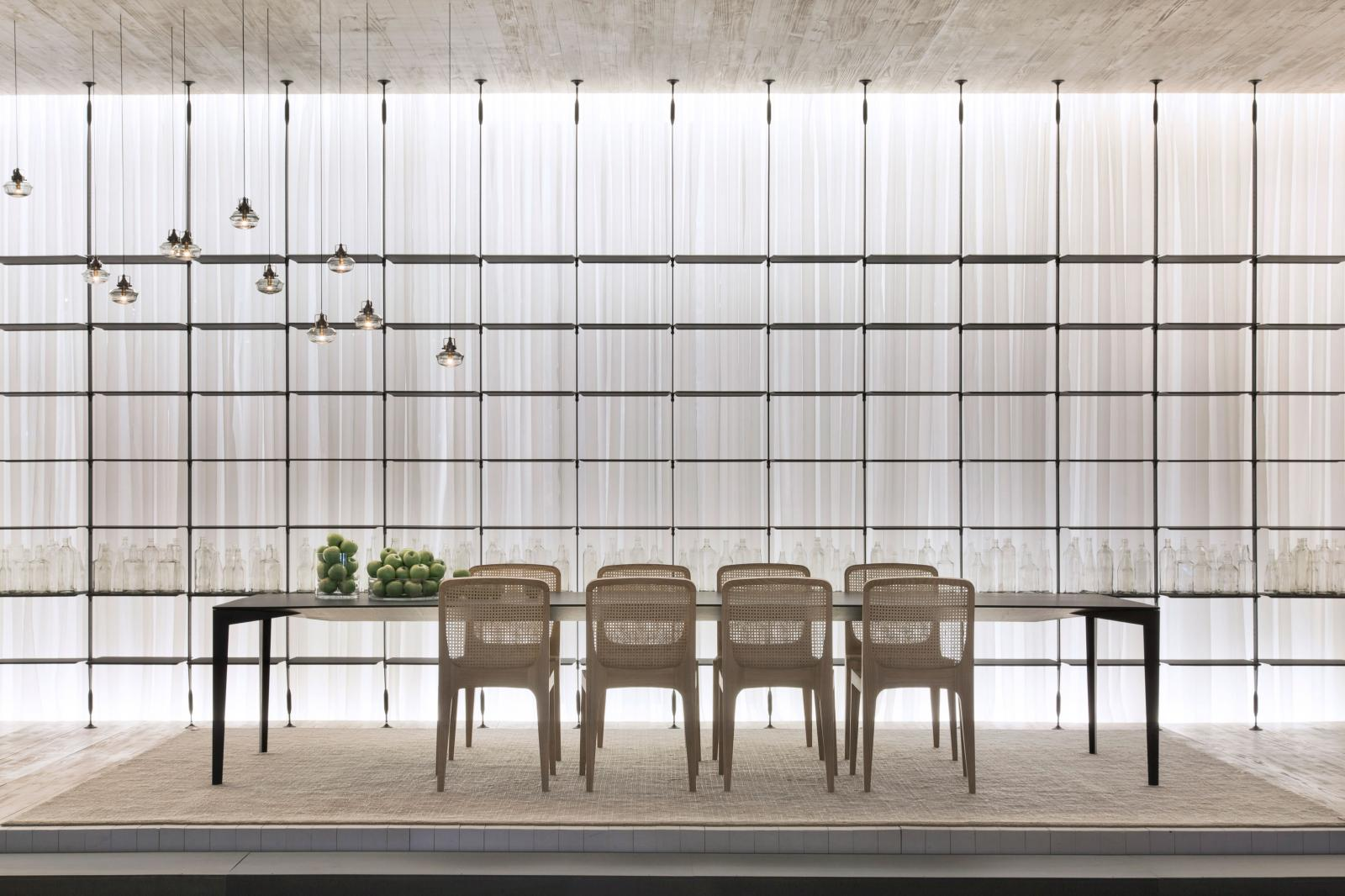 jader-almeida-high-design-sollos-espaco-a-cadeira-bossa