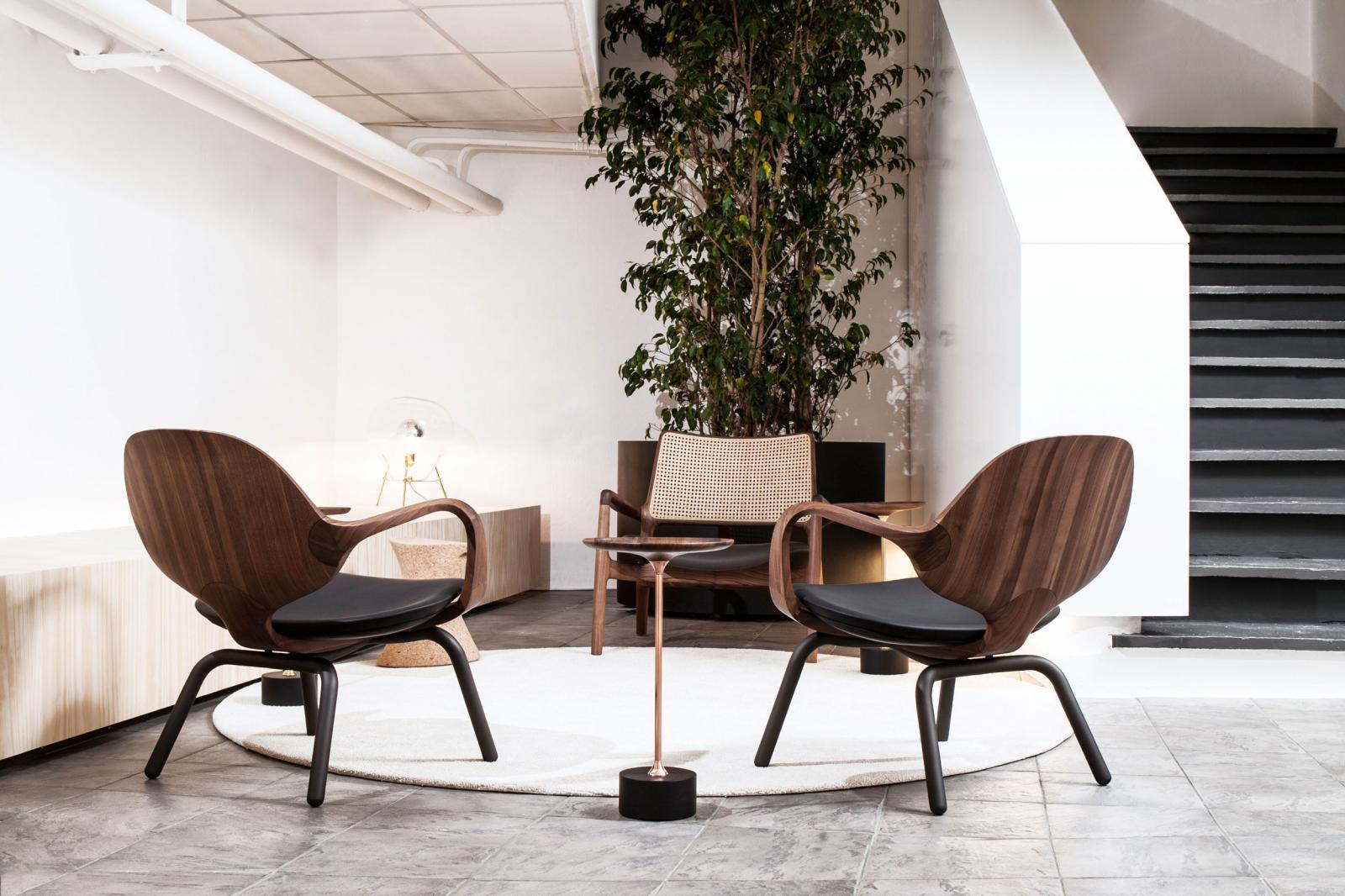 Milan Design 2017 - Jader Almeida - Poltrona Clad e Mesa Lataral Jardim