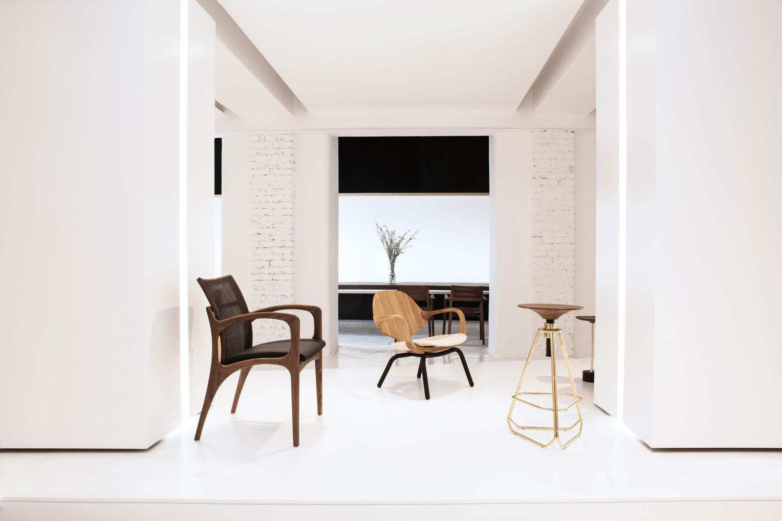 Milan Design 2017 - Jader Almeida - Cadeira Dinna, Poltrona Clad e Banqueta Phillips