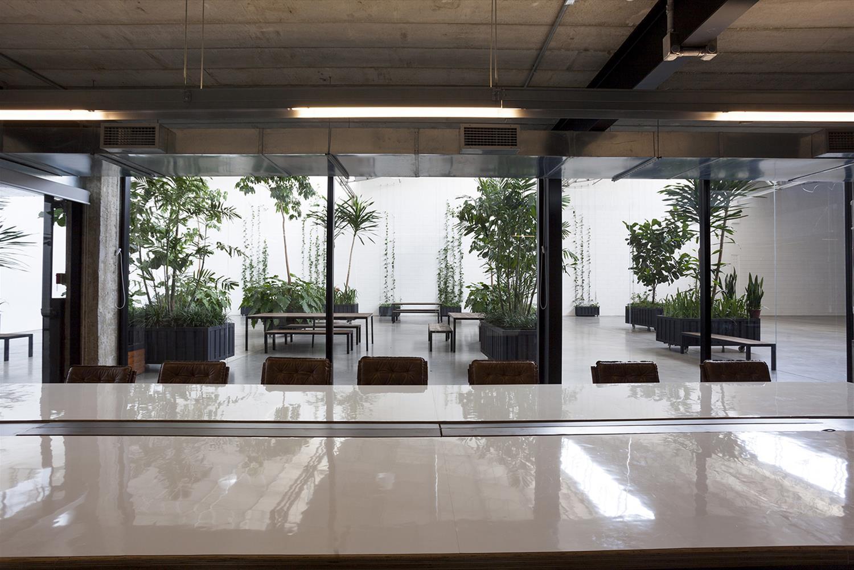 Projeto Paranoid: Sala de Reunião - Cadeiras de escritório Yoná